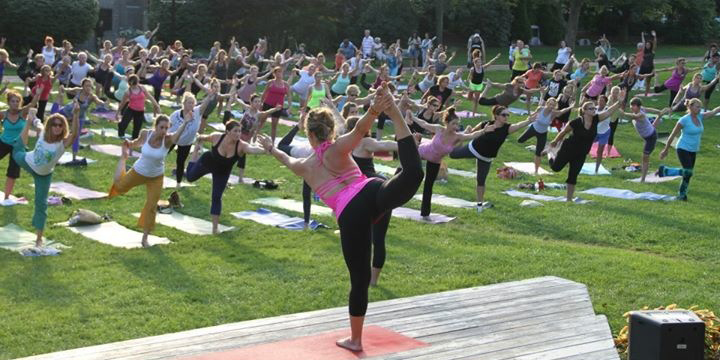 Outdoor Yoga Course
